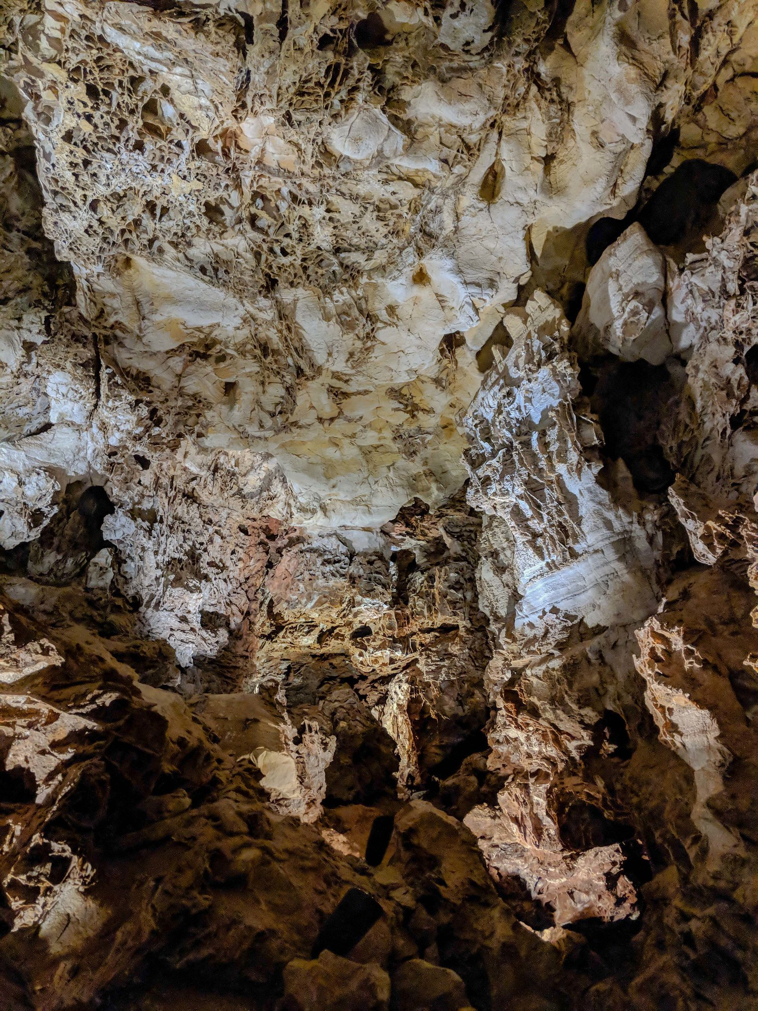 wind cave national park natural entrance tour cathedral room