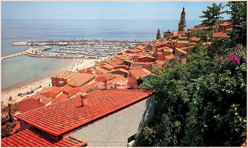 claudelina france alpesmaritimes provencealpescôtedazur menton architecture port paysage landscape clocher toits roofs
