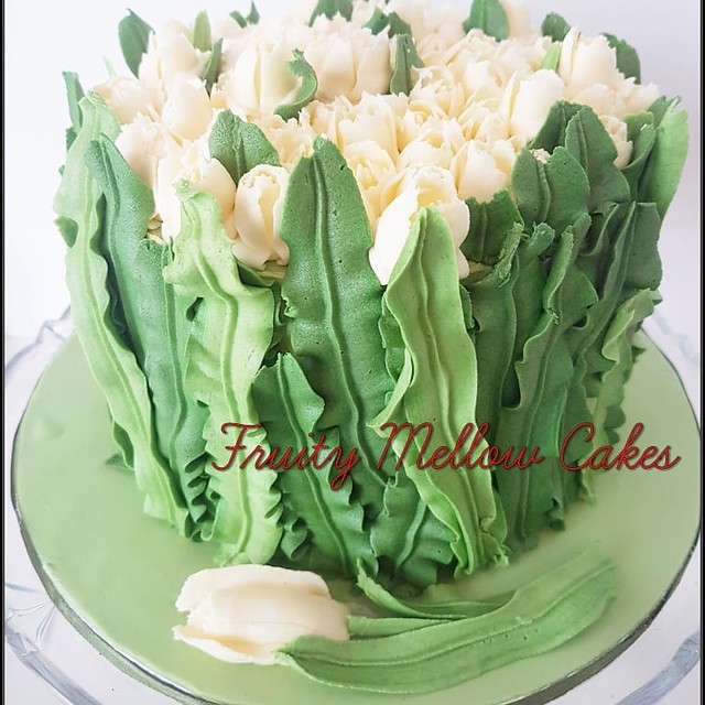 Cake by Fruity Mellow Cakes