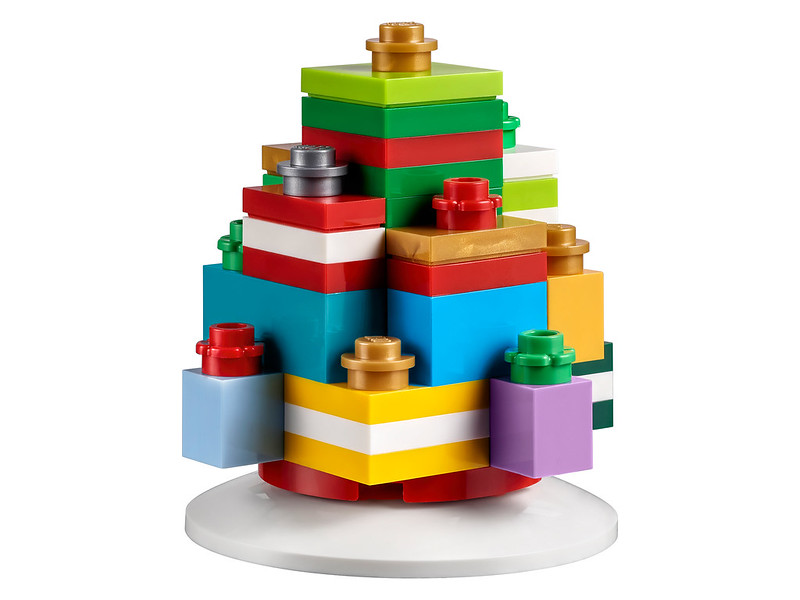 Brickfinder - LEGO Seasonal Holiday Ornaments First Look!