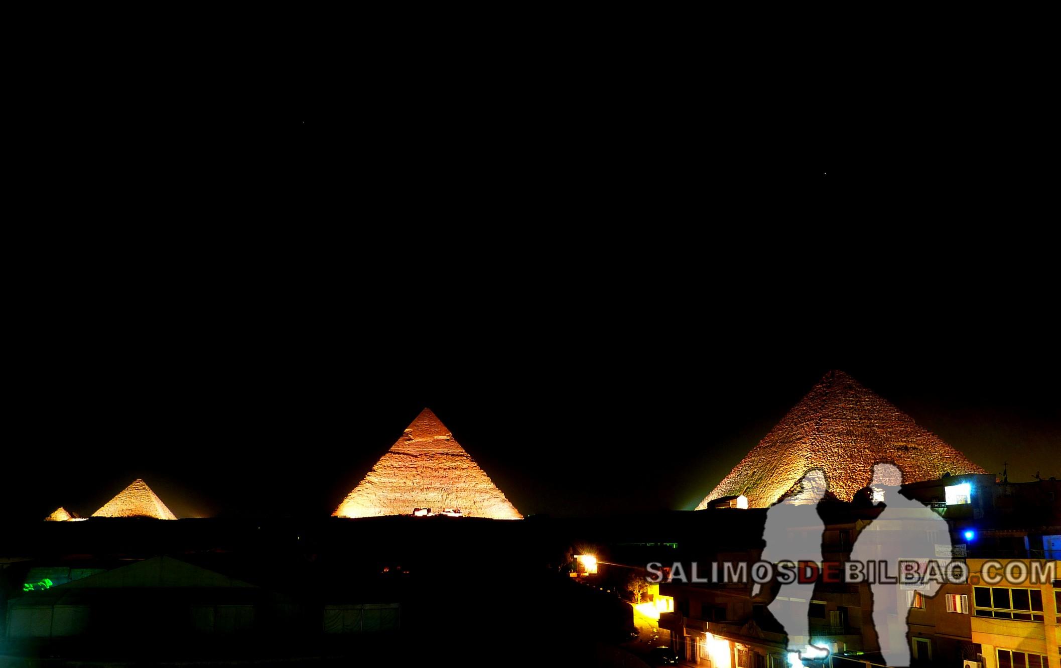 0287. Espectáculo nocturno, Pirámides de Giza