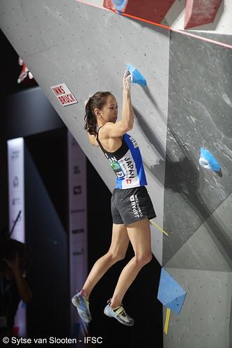ifscwch-innsbruck-boulderfinals-women-friday-014-D85_3012