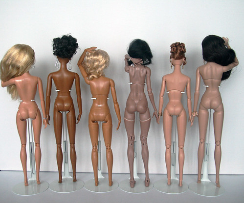 Comparison of the bodies different 12-inch dolls | by czarnab1