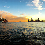 18. September 2018 - 18:51 - Lower Manhattan and Jersey City from Hudson River pier 45
