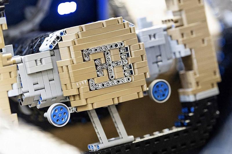 bugatti-chiron-lego-technic-11