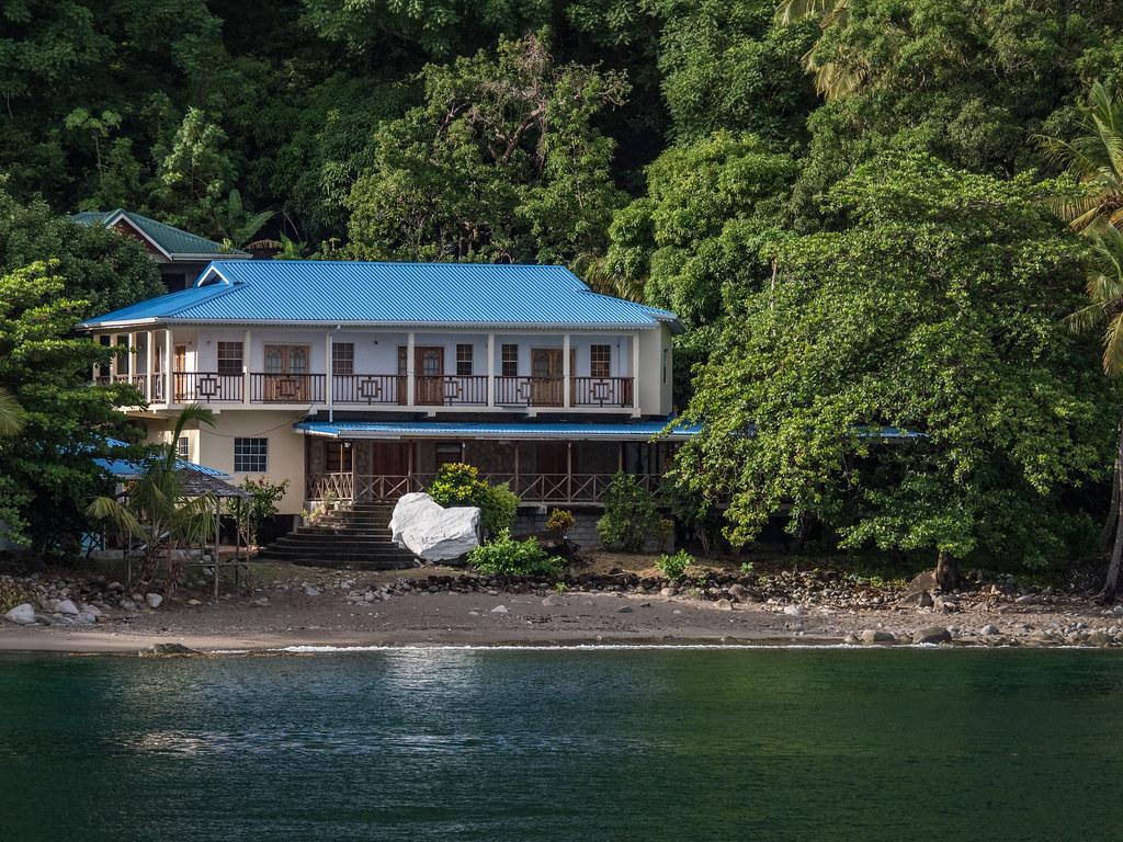 Petit Piton et la maison au toit bleu... V2 de la 3 42529300940_f11b4bd7b5_b