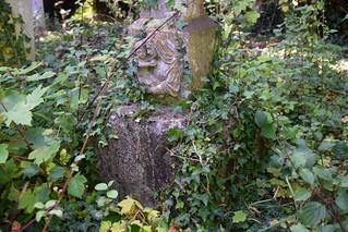 Maude Tacon memorial (detail, Ninian Comper, 1953)