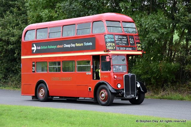 RT3902 Sharpes of Nottingham LLU701 AEC Regent III Park Royal ex London Transport. Showbus Donington Park 17.9.17z