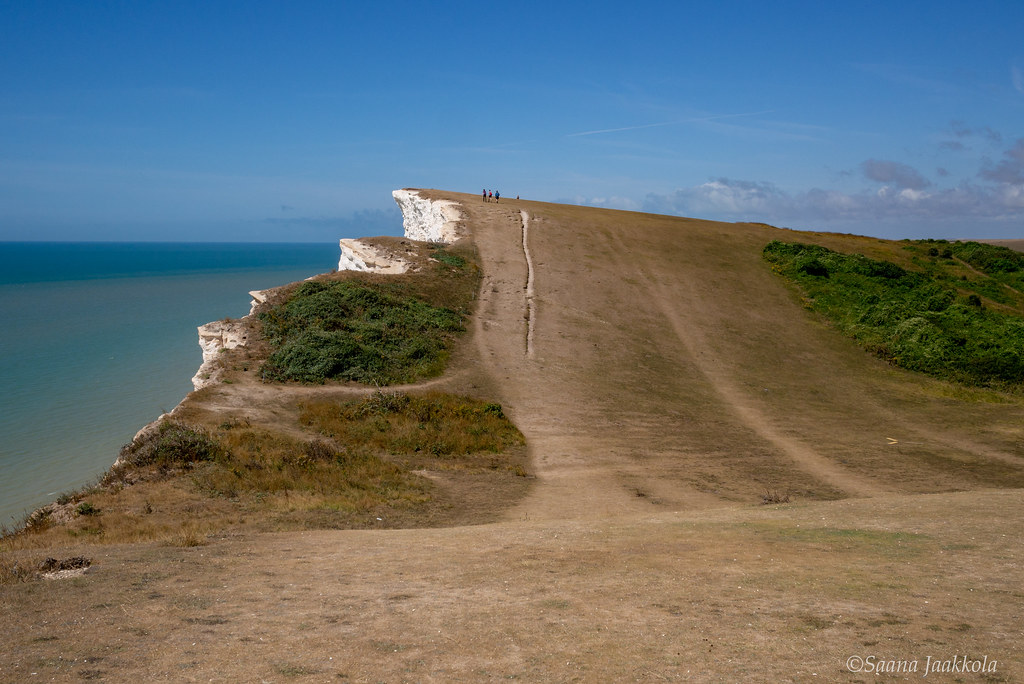 Fatal Beauty – Divine Beachy Head, Where a Selfie Can Kill You