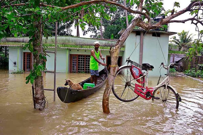 बाढ़ की चपेट में केरल