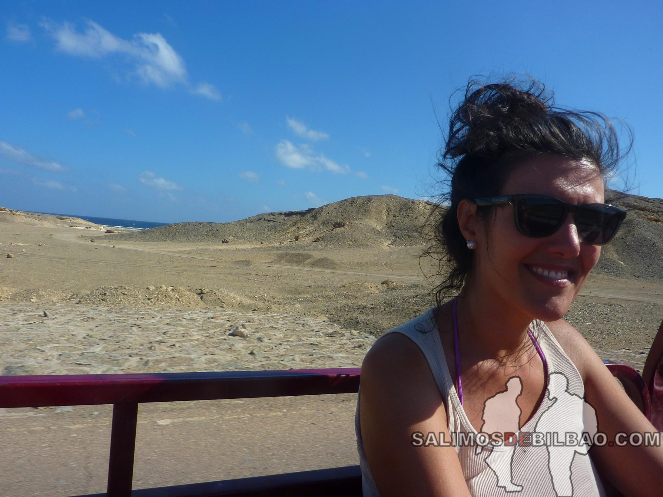 1076. Saioa en motocarro de Marsa Alam City a la playa 7 kilo
