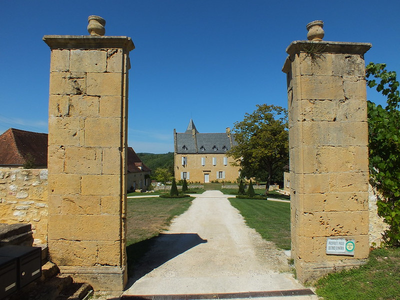 Nadaillac-de-Rouge - Château (bourg)