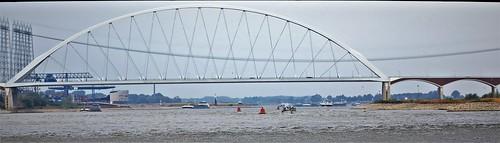 3C3A2356 Soldiers March Bridge