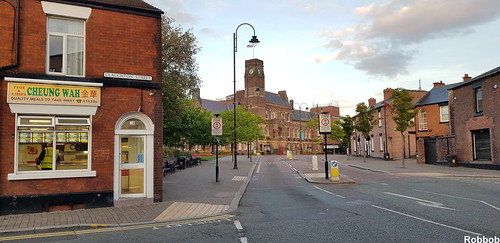 Towards St.Helens Town Hall | by Robbob2010