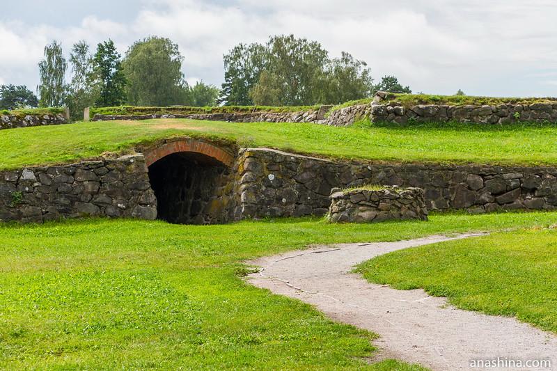 Рыбные (Часовые) ворота с подземным ходом к реке, крепость Корела в Приозерске