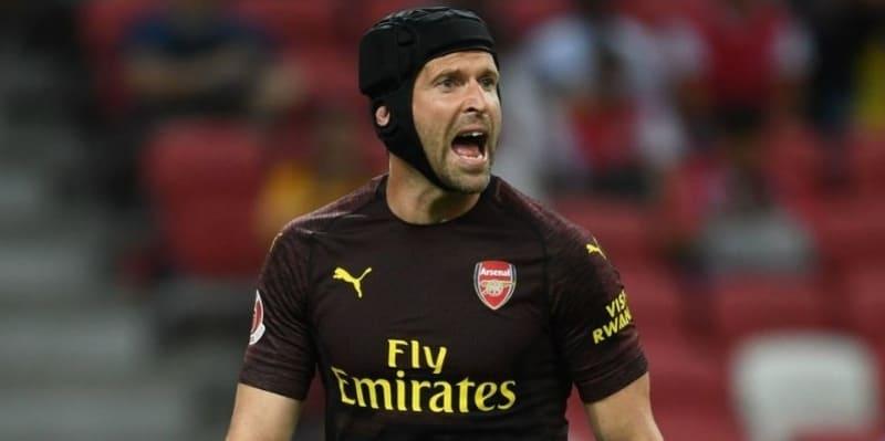 Emery membela Cech setelah tampil gugup