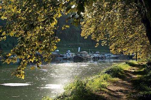 Castets-en-Dorthe (le canal).