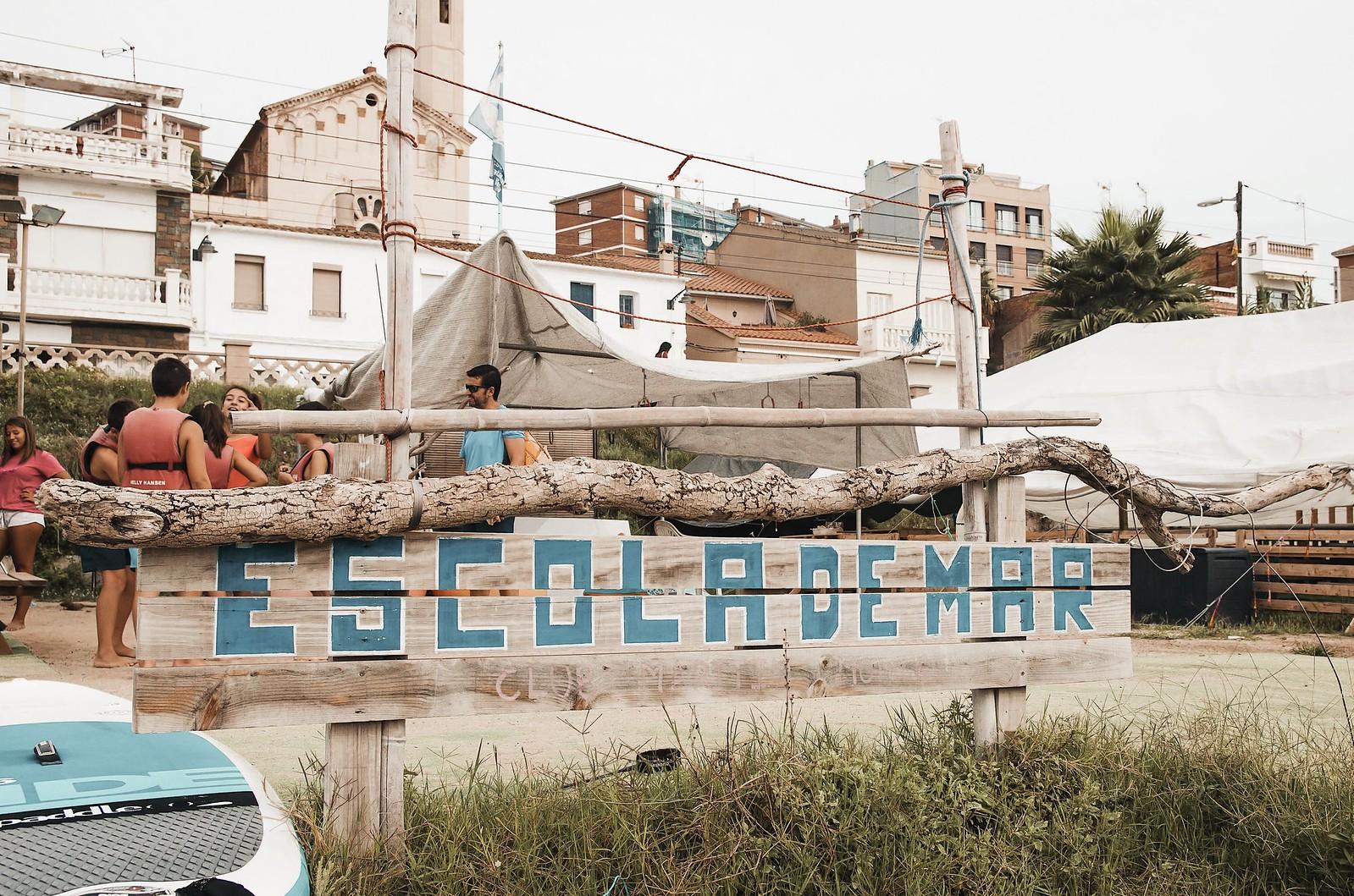 Bautizo de mar en paddle surf y vela en Barcelona