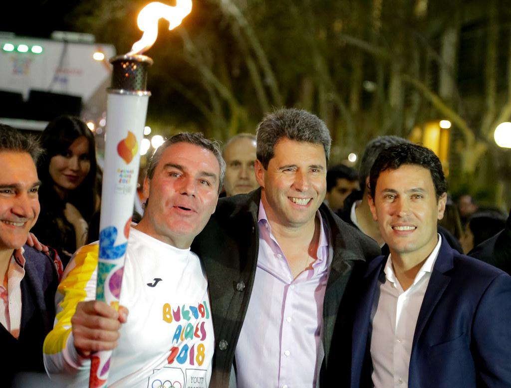 2018-09-12 PRENSA: La llama de los Juegos de la Juventud recorrió las calles de San Juan.