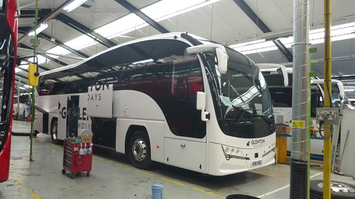 KSK 952 'Park', Hamilton 'Glenton Holidays'. Volvo B11R / Plaxton Elite on Dennis Basford's railsroadsrunways.blogspot.co.uk'