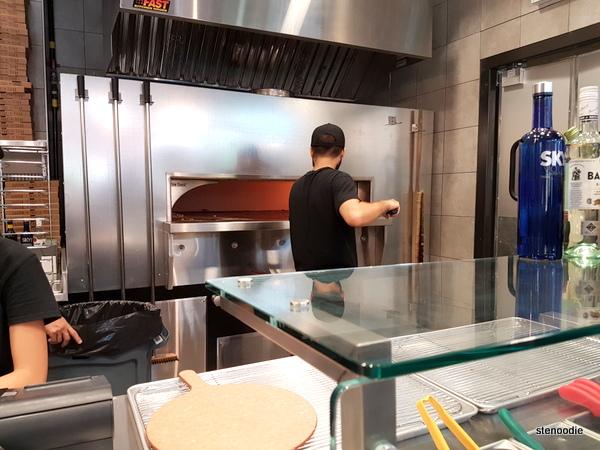 Za Pizza Bistro pizza oven