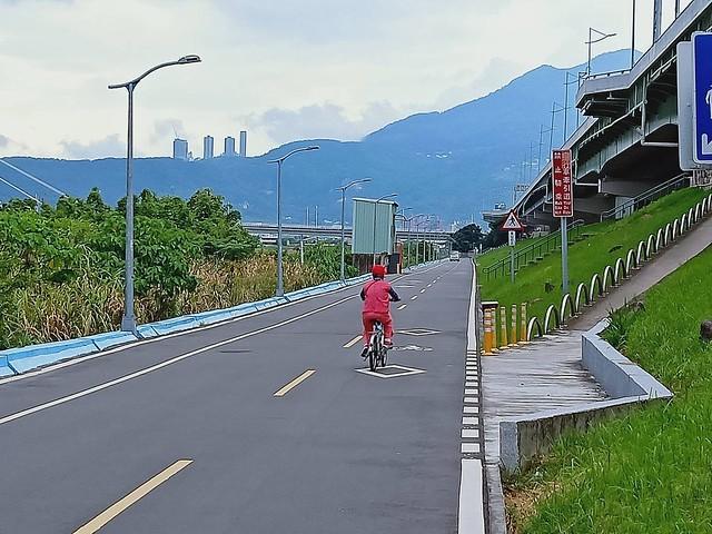 延平北路五段,關渡騎自行車 (24)