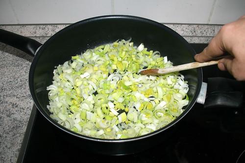 20 - Lauch & Zwiebel andünsten / Braise leek & onion