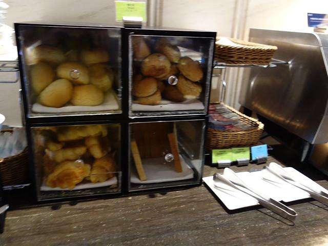 各種麵包@高雄H2O水京棧國際酒店