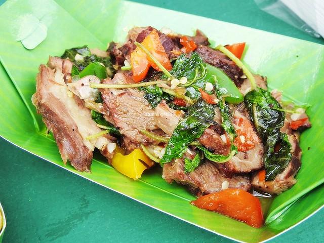Krapow Neua / Stir-Fried Sliced Beef With Holy Basil