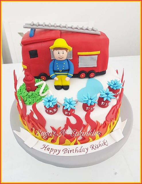 Cake by Sugar n' Sprinkles