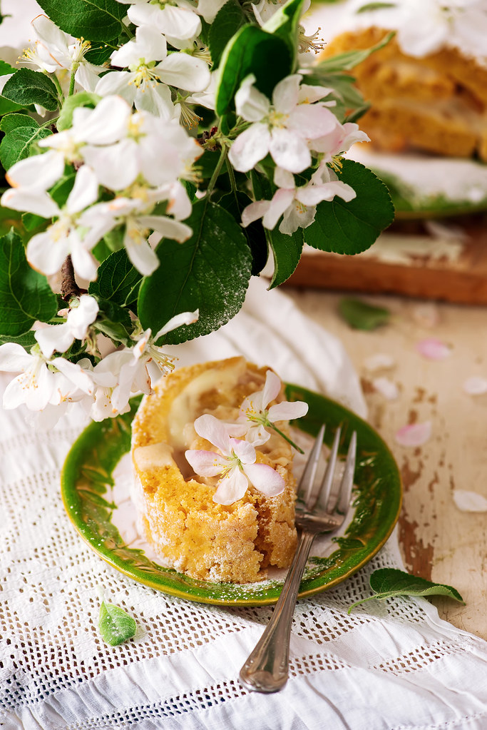 Cinnamon Apple Cake Roll.1