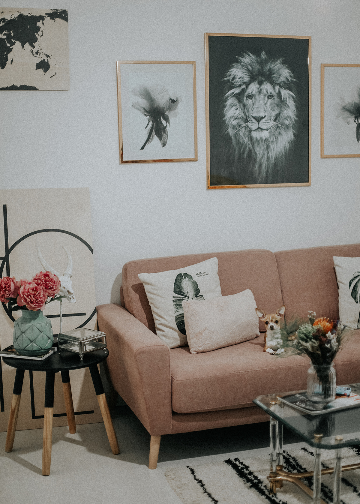 decora-salon-posterlounge-sofa-rosa-myblueberrynightsblog4