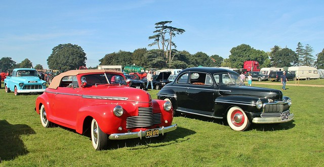 1940s Amercian cars (Chevrolet & Mercury) at Grand Henham Steam Rally, 15th. September 2018.