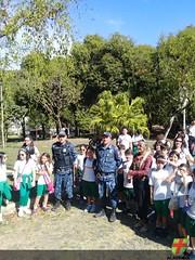 Alunos do 4º ano EF I realizam trabalho em campo no Parque Municipal da Lajinha