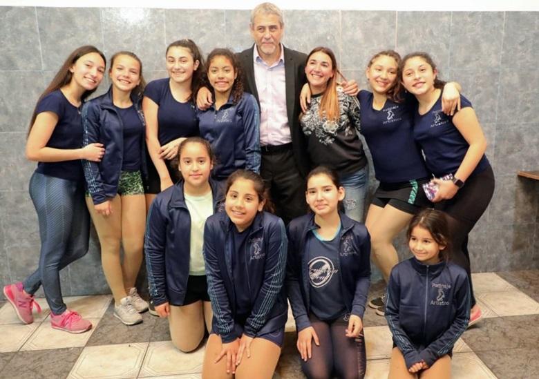 Ferraresi visitó el Club Orientación Juvenil de Piñeyro e inauguró ...