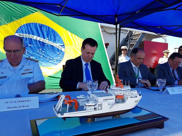 Visita e assinatura de acordo de cooperação relacionado ao Navio de Pesquisas Hidroceanográfico Vital de Oliveira. Rio de Janeiro, 29 de agosto de 2018.