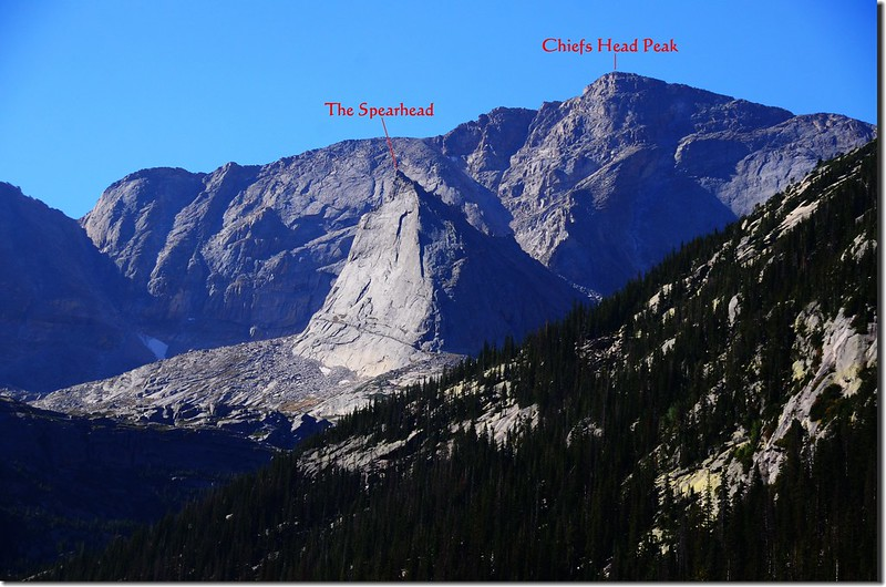 Looking south at Chiefs Head Peak & The Spearhead from Mills Lake (2)