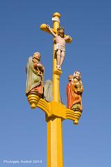 Croix peinte du cimetière de Plougastel-Daoulas