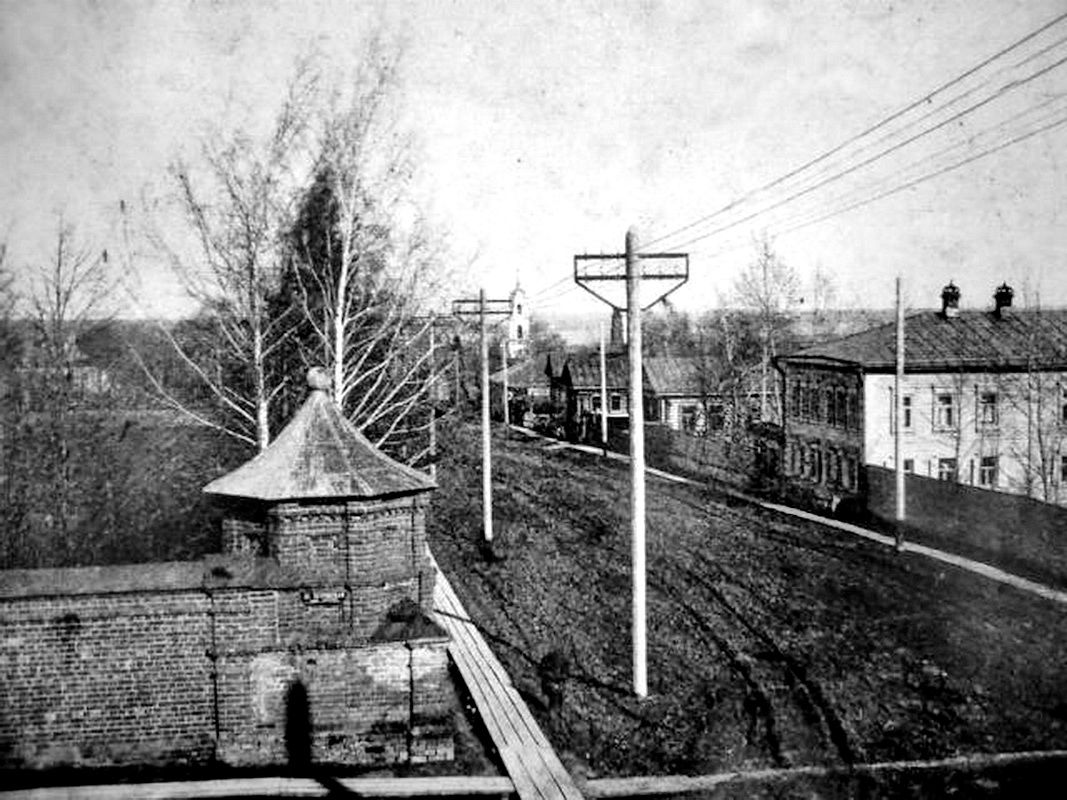 Перекресток улиц Нагорная  и Петровская