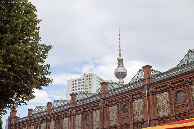 Berliner Fernsehturm e la Stazione di Hackescher Markt, Berlino cosa vedere