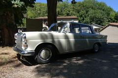 Mercedes 200 - Photo of Laprade