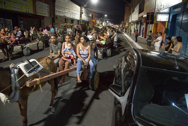 Procissão dos carroceiros mantém tradição de 46 anos em Juazeiro; veja fotos