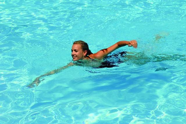 bơi nhiều