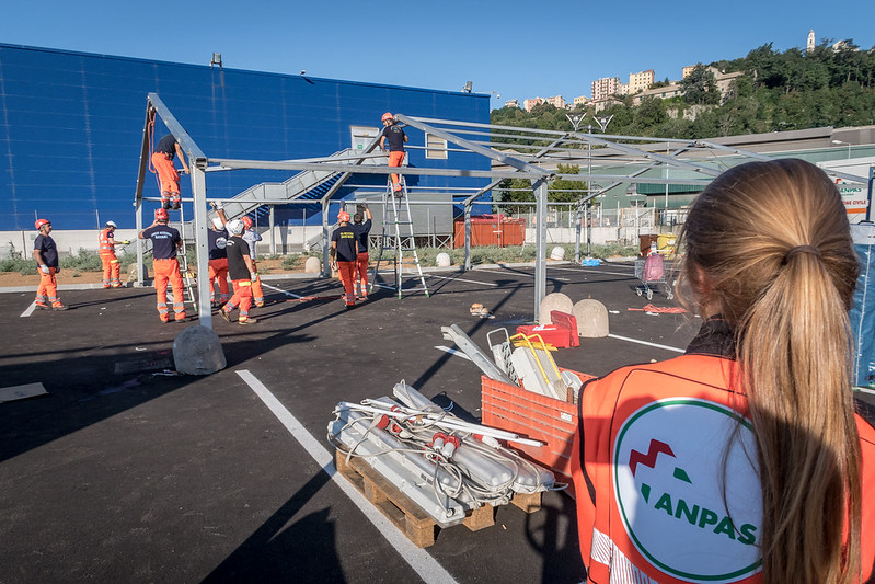 Genova, crollo viadotto A10: chiuso il campo cucina dei volontari Anpas, ma il cuore resta a Genova