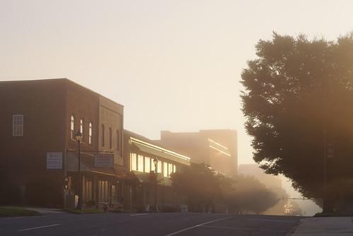 westernnorthcarolina fog urbanlandscape sunrise architecture pentax k1 smcpentax11885mm iridientdeveloper affinityphoto