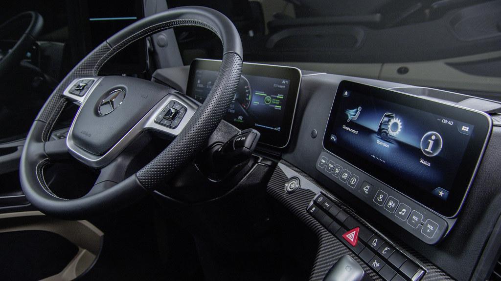 Mercedes Actros Premiera 22