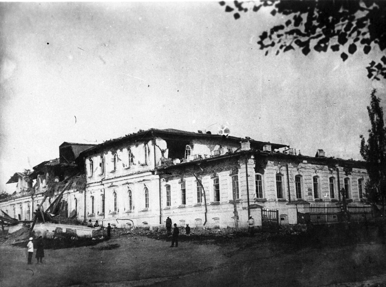 Губернаторский дом после землетрясения. 1887