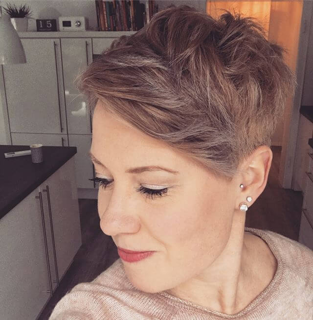 Best Bold Curly Pixie Haircut 2019- 50 Hairstyle Inspirations 8