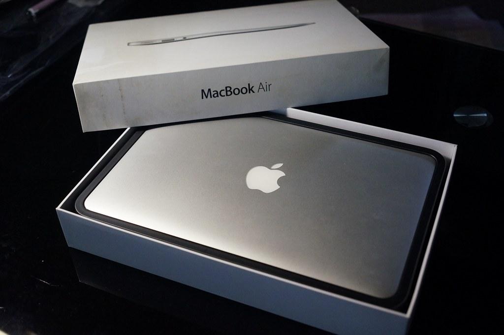 MacBook Air 2016を購入したはずが、、、、^^;