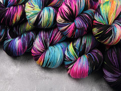 Mottled hand dyed yarn